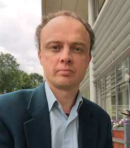 Dr Stewart Eyres