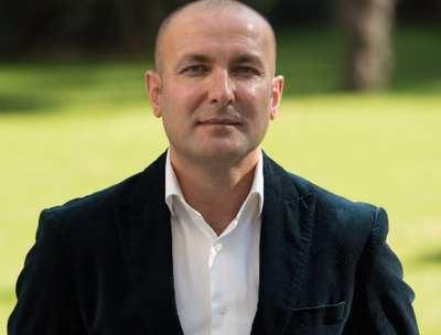 Dr Ethem Ilbiz