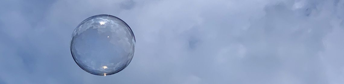 Bubbles GettyImages-1257120506.jpg