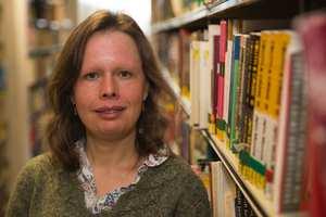 Librarian Gill Edwardes - Treforest_30573.jpg