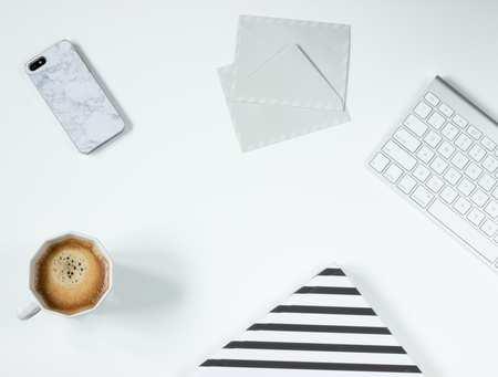 apple-magic-keyboard-coffee-desk-162616.jpg