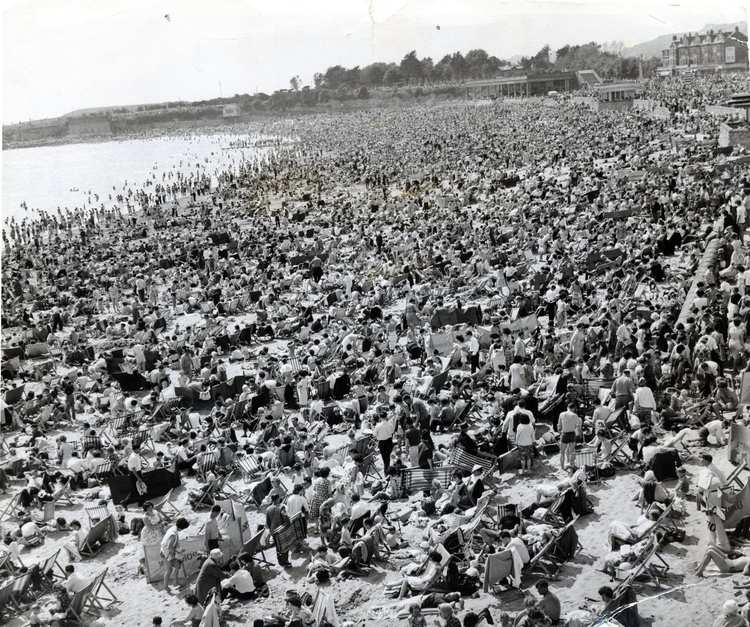 Barry Island beach, Whitsun 1963, image: Walesonline
